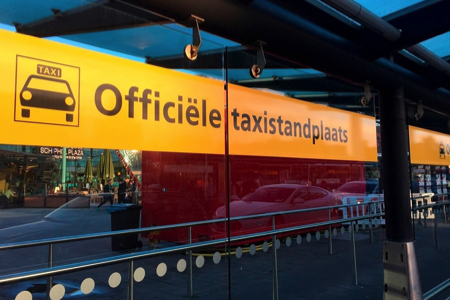 Schiphol taxi from the official taxi stand