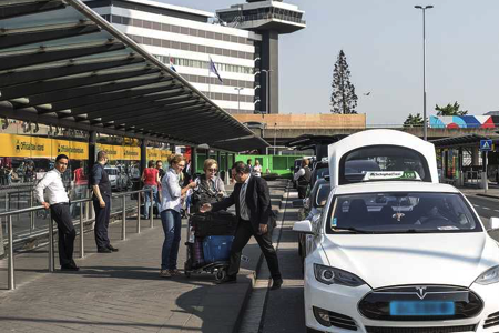 Schiphol in top-10 duurste taxi's